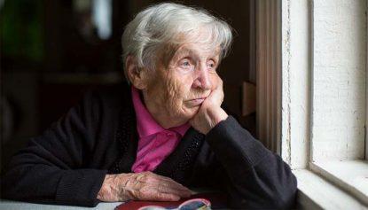 Paziente Anziano Con Demenza